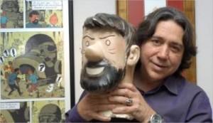 """Jordi Tardà, con una figura del capitán Haddock de su colección de objetos de """"Tintín"""". octubre/prats i camps"""