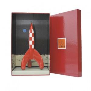Cohete lunar de resina