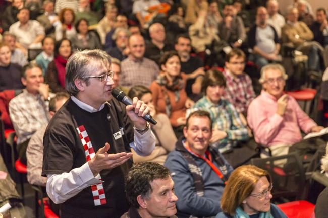 José Luis Povo abriendo el turno de preguntas. Foto: Jesús Caso.