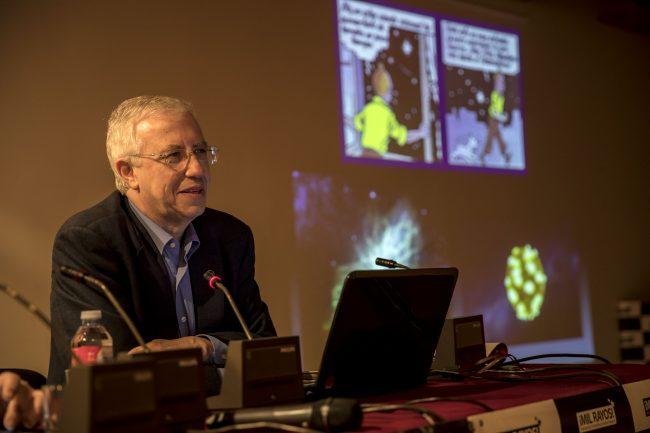 Sánchez Ron durante su conferencia